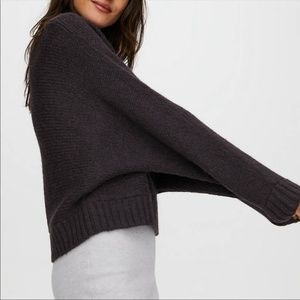 BNWOT⎜Aritzia The Group by Babaton⎜DAY OFF SWEATER⎜BLACK SATIN